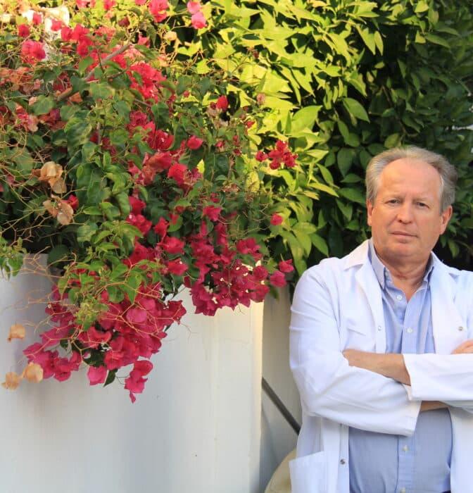 """Médicos contra la """"dictadura"""" de las aseguradoras: """"Un fontanero cobra más por un servicio"""""""