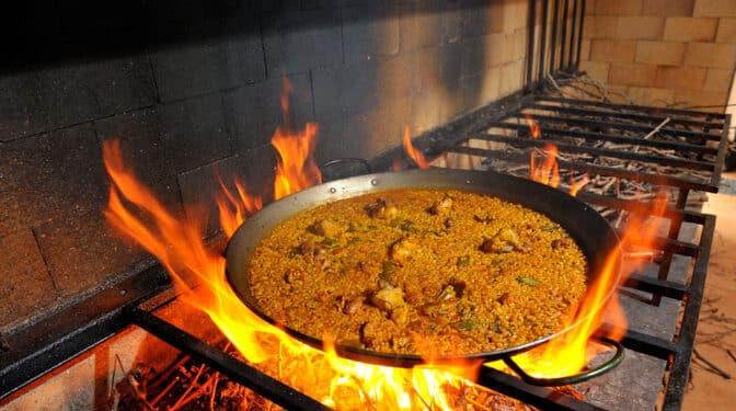 Paella, gamba roja y cocas: seis restaurantes para saborear la Jávea más auténtica
