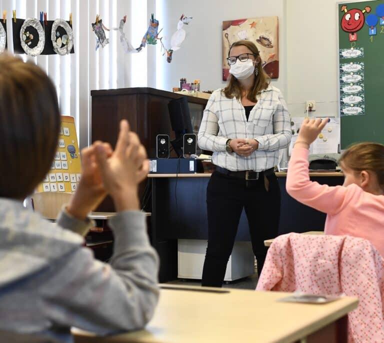 Los contratos temporales crecen un 20% desde que empezó la pandemia frente al 2% de los indefinidos
