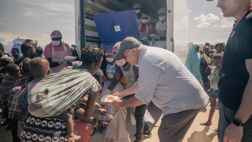 José Andrés en una emergencia en Mozambique