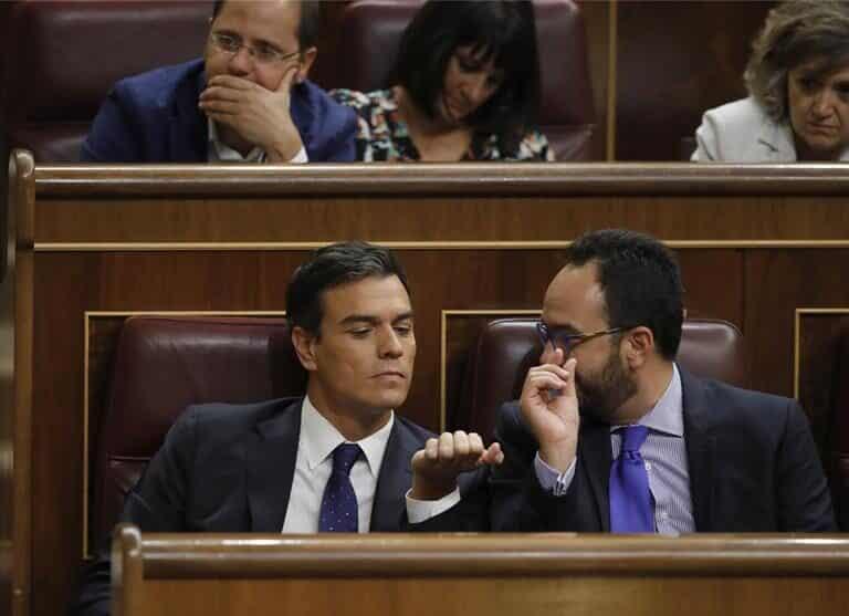 El PSOE se plantea repescar a Antonio Hernando tras hacerlo con Óscar López