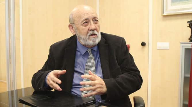 Sánchez confía en arrancar septiembre con dos CIS favorables de Tezanos