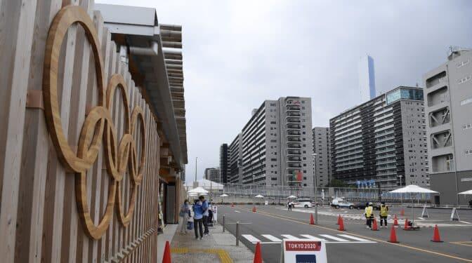 Récord de contagios en seis meses: Tokio contiene el aliento a una semana de los Juegos