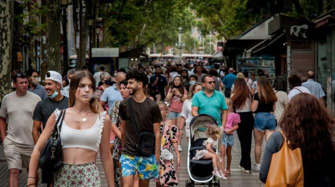Funcas mejora sus previsiones: España crecerá un 6,3% en 2021