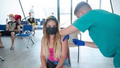 ¿Puedo contagiar a otros si ya tengo la vacuna contra el Covid?