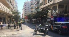 Nueve heridos al arrollar un coche la terraza de un bar en Marbella