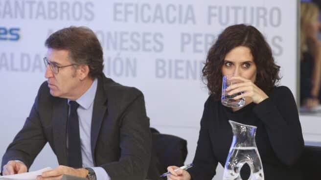 El presidente de la Xunta de Galicia, Alberto Núñez Feijóo y la presidenta de la Comunidad de Madrid, Isabel Díaz Ayuso.