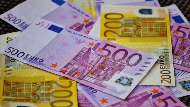 Billetes de 200 y de 500 euros.
