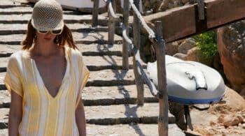 El caftán, la prenda que querrás llevar a todas horas en la playa