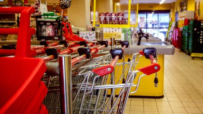 Carros de la compra en un supermercado de Madrid.