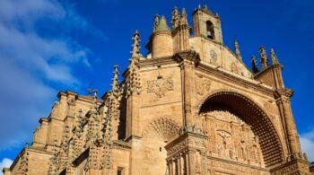 El Convento de San Esteban, la joya de los dominicos que acogerá la Conferencia de presidentes