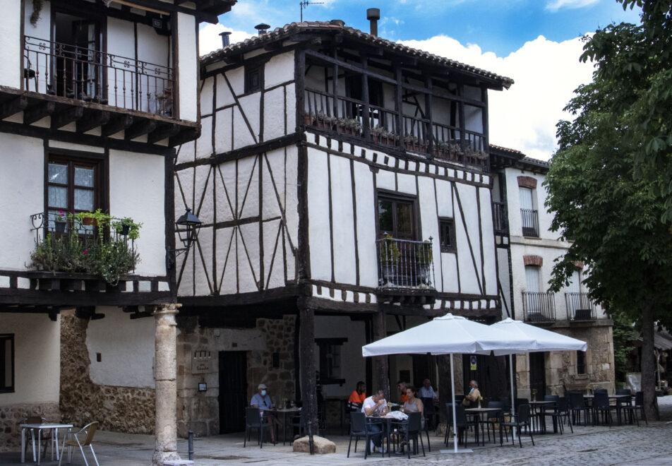 Edificios históricos de la Localidad burgalesa de Covarrubias.