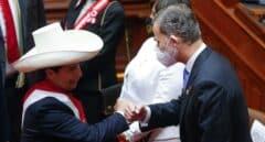 """Castillo toma posesión del cargo criticando """"a los hombres de Castilla"""" con Felipe VI en el acto"""