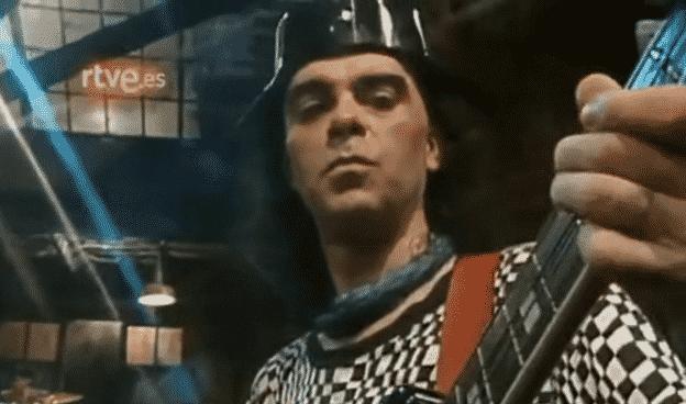 Salo, en la grabación de 'Plastic' en Televisión Española en 1989.