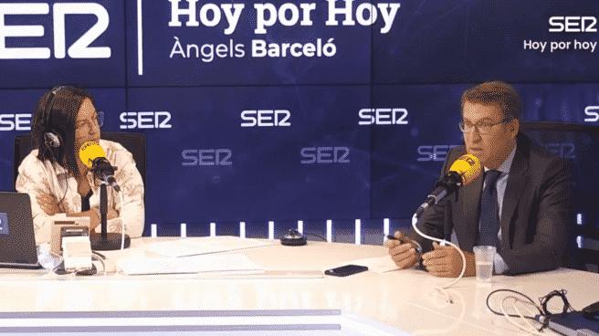 Angel Barceló (i) y Alberto Núñez Feijoó (d) en Hoy por Hoy de la Cadena SER