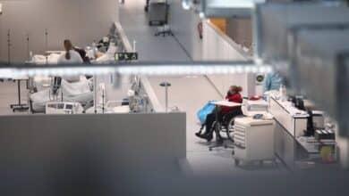 Sanidad registra 21.874 casos, 71 muertes y la incidencia baja 20 puntos