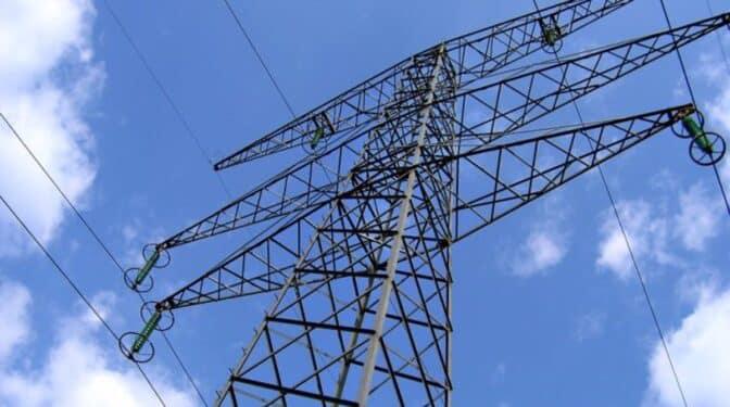 La luz no da tregua y batirá un nuevo récord histórico el martes: se pagarán hasta 120€ por megavatio