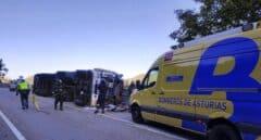 Muere un hombre de 57 años tras volcar el camión que conducía en Asturias