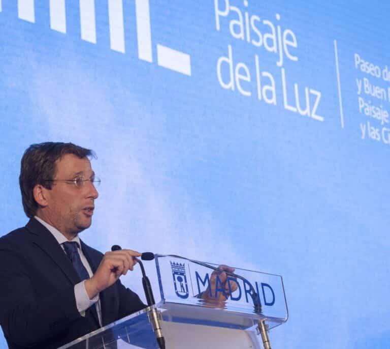 """Almeida anuncia el I Festival Internacional de la Luz para """"poner en valor"""" el patrimonio cultural urbano de Madrid"""