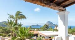 Secretos de Ibiza, la isla de las mil caras que vuelve a sus raíces