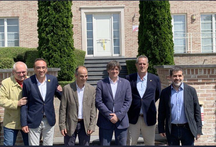 Solo los indultados de JxCat visitan a Puigdemont en Waterloo