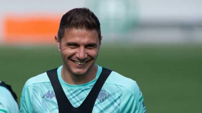 Joaquín Sánchez durante un entrenamiento del Real Betis