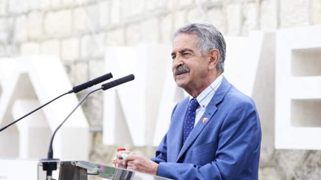 El presidente de Cantabria, Miguel Ángel Revilla, en un acto en Santander.