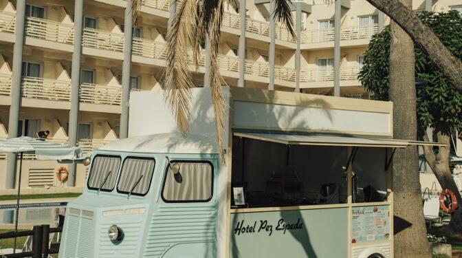 Reabre el Pez Espada, mítico hotel de la Costa del Sol en Torremolinos