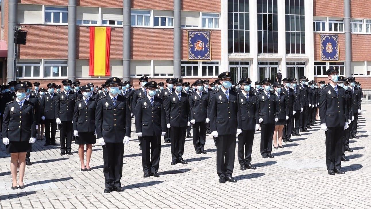 Acto de jura de una de las últimas promociones de la Escala Básica de la Policía Nacional en el Complejo Policial de Canillas, en Madrid.