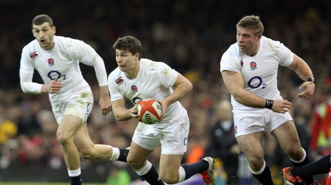 Jugadores ingleses disputando el prestigioso torneo de rugby Seis Naciones