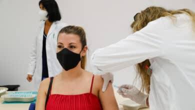 Así va la vacunación de los jóvenes: Baleares y Cataluña a la cabeza y Extremadura y Galicia a la cola