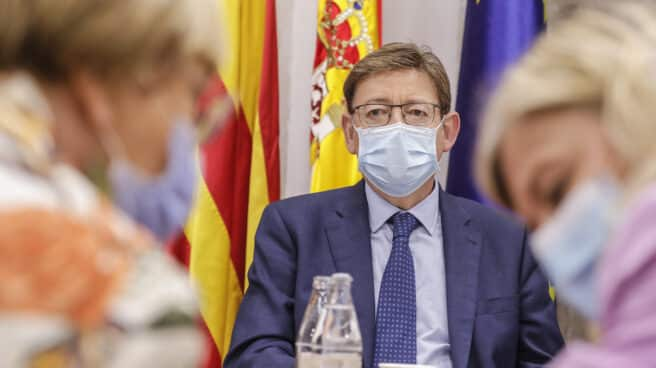 El presidente de la Generalitat, Ximo Puig, preside la reunión de la Mesa Interdepartamental para la Prevención y Actuación ante la COVID-19 en el Palau de la Generalitat