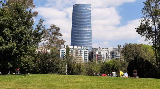 La 'Torre Iberdrola', el edificio más alto de Euskadi, con 41 plantas y 165 metros de altura.