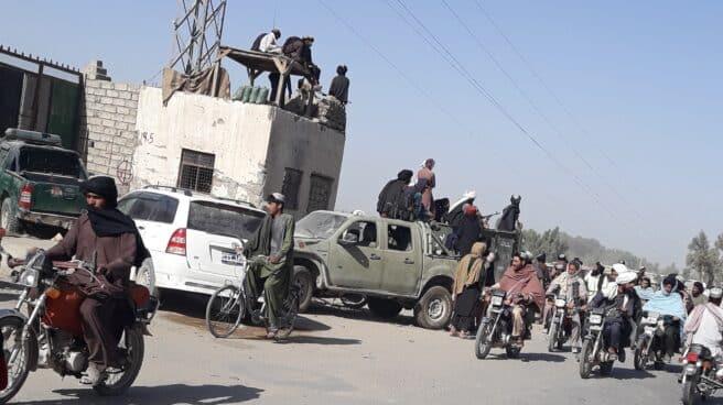 Combatientes talibanes toman el control de Helmand, Afganistán