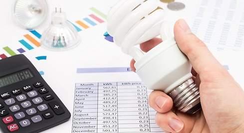El precio de la luz no encuentra techo y este jueves marcará un nuevo récord: 188 euros por megavatio hora