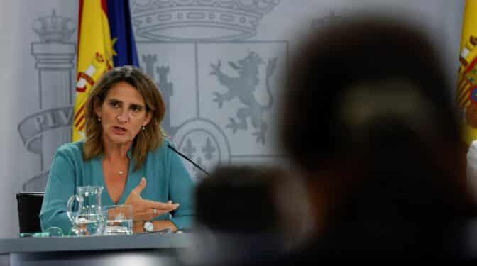 """Teresa Ribera culpa a los mercados internacionales del precio de la luz: """"Podemos intentar convencer a Putin"""""""