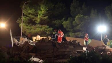 Al menos tres personas atrapadas en el derrumbe de un edificio de tres alturas en Peñíscola