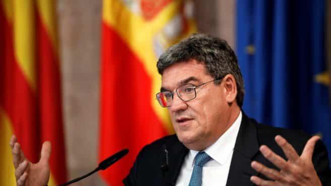 El ministro de Inclusión, Seguridad Social y Migraciones, José Luis Escrivá, comparece en rueda de prensa tras su reunión con Ximo Puig.