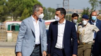 """El Rey reconoce la """"capacidad profesional"""" del equipo de evacuación de Kabul"""