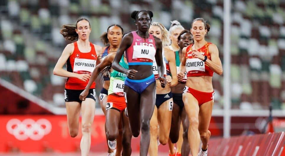 Athing Mu, durante las series de 800 metros en Tokio 2020
