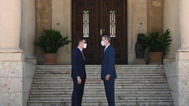 Sánchez sale en defensa de la Corona pero elude opinar sobre la vuelta del emérito