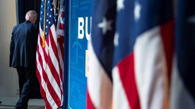 Joe Biden, presidente de EEUU, deja el estrado tras una alocución reciente