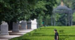 El Retiro y ocho parques de Madrid mantendrán zonas balizadas tras activarse la alerta amarilla por rachas de viento
