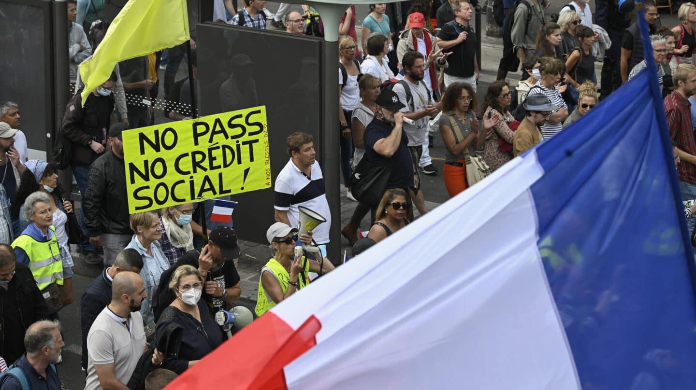Protesta contra el pase sanitario en Francia.