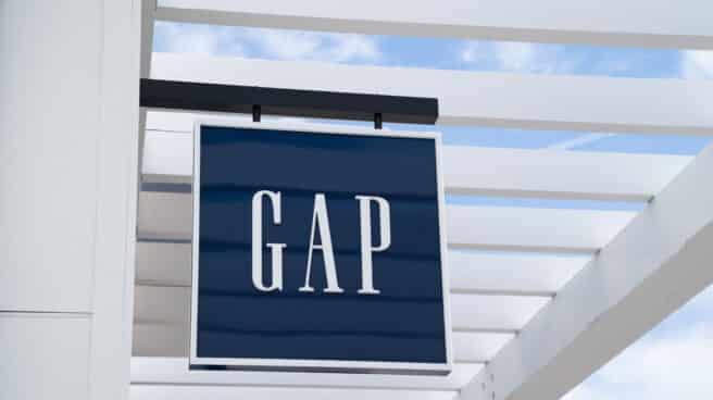 Imagen del cartel de una tienda de Gap.
