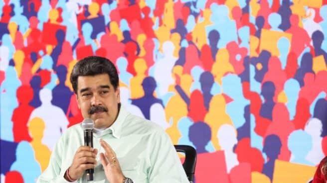 El líder chavista, Nicolás Maduro, en una reunión con dirigentes locales chavistas