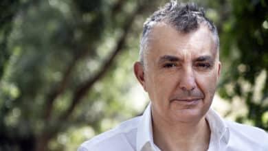 """Manuel Vilas: """"Cuando hay una catástrofe más vale inventarnos un amor"""""""