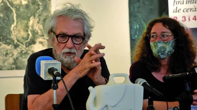 Óscar Tusquets en la presentación de su botijo Elefas.