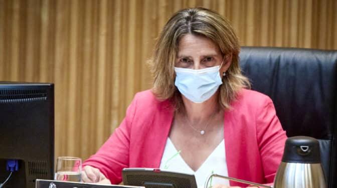 Teresa Ribera no concreta medidas para frenar la subida del precio de la luz