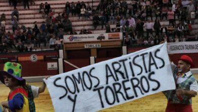 Vox amenaza con denunciar a la Junta de Andalucía por suspender un espectáculo del 'bombero torero'